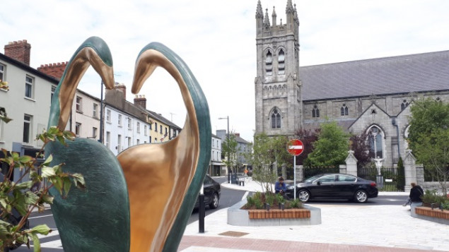 New sculpture  installed in Dundalk Town Centre
